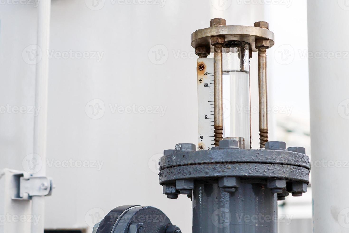 ventil för reglervatten i fabriken foto
