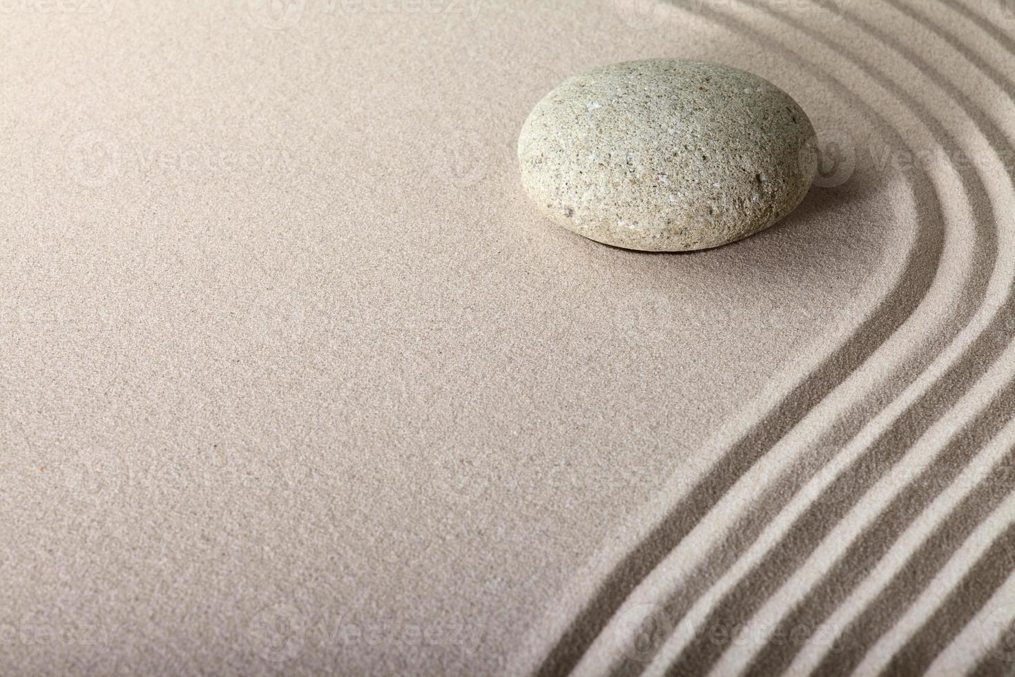 zen sandsten trädgård foto