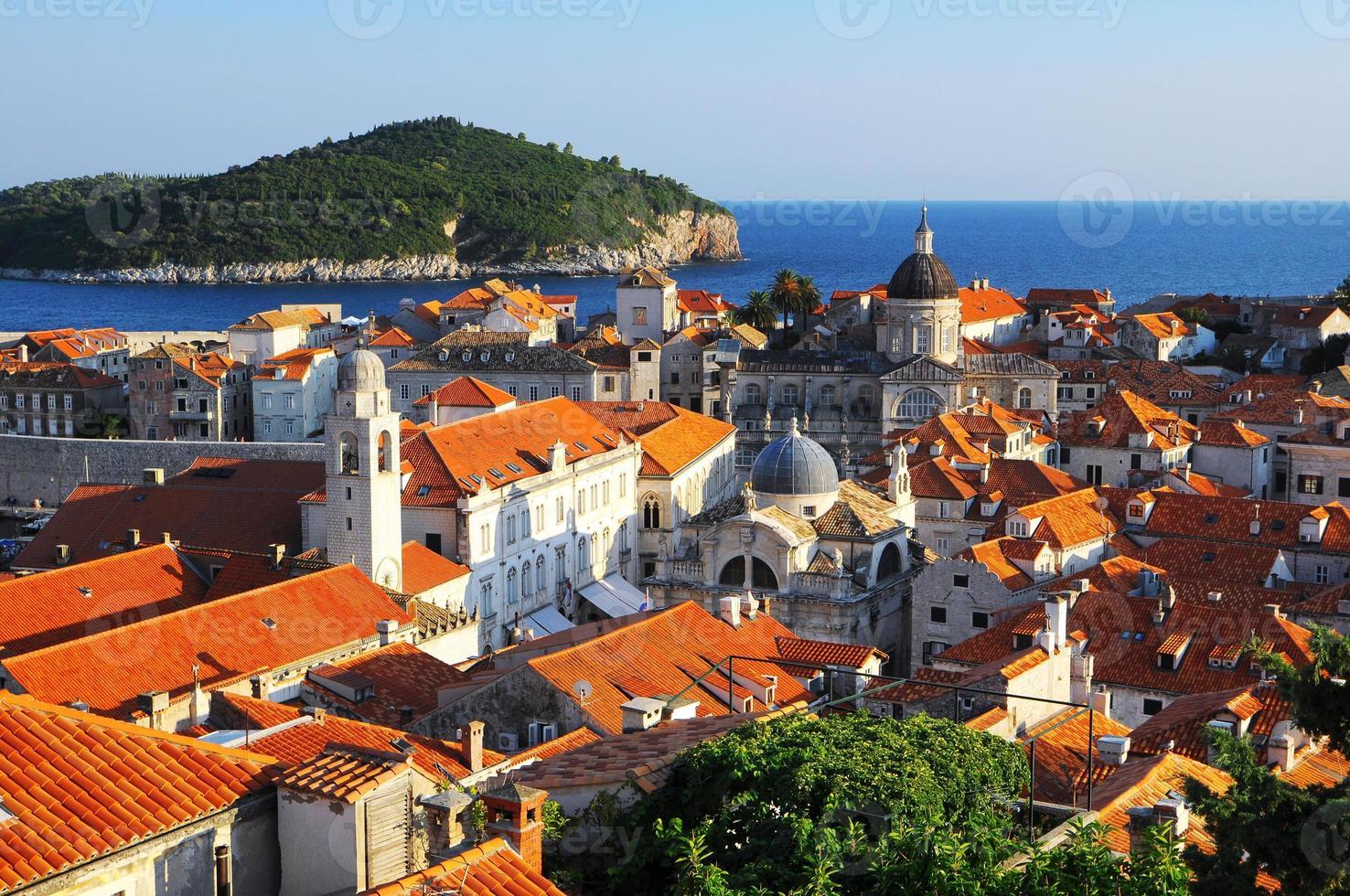panorama över dubrovnik från stadsmuren, Kroatien foto