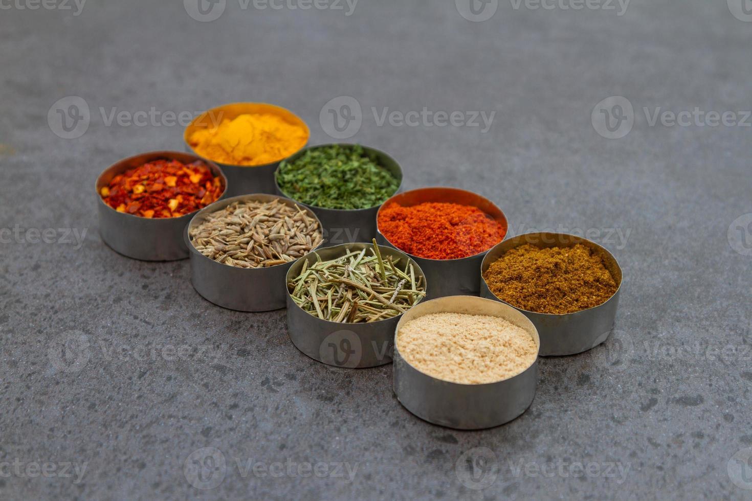 kryddor blandning urval bakgrund. foto