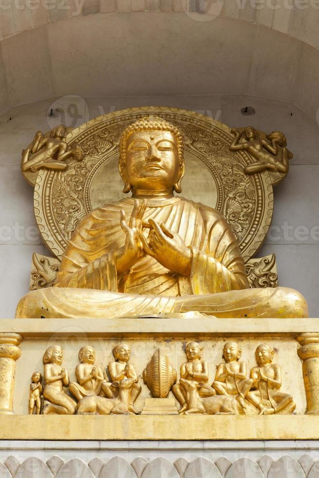 gyllene buddha. foto
