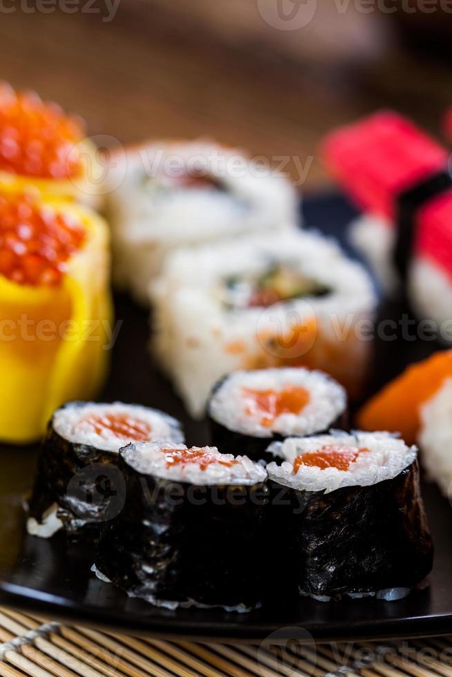 japansk sushi, orientalisk skaldjur foto