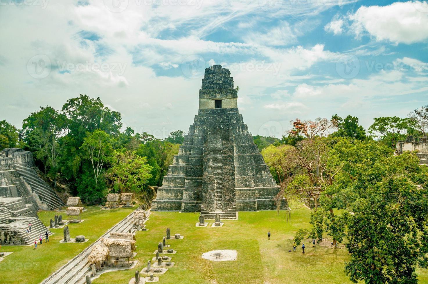 tikal mayan ruiner i guatemala foto