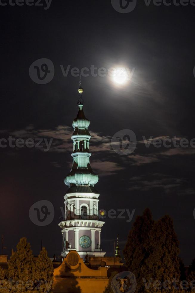 zamosc på natten - Polen. foto