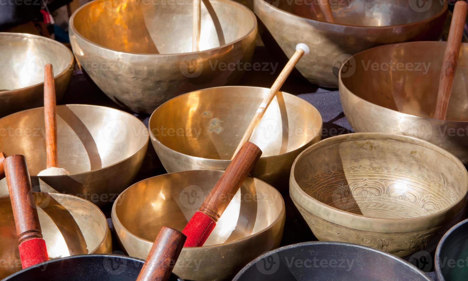 tibetanska sjungande skålar foto