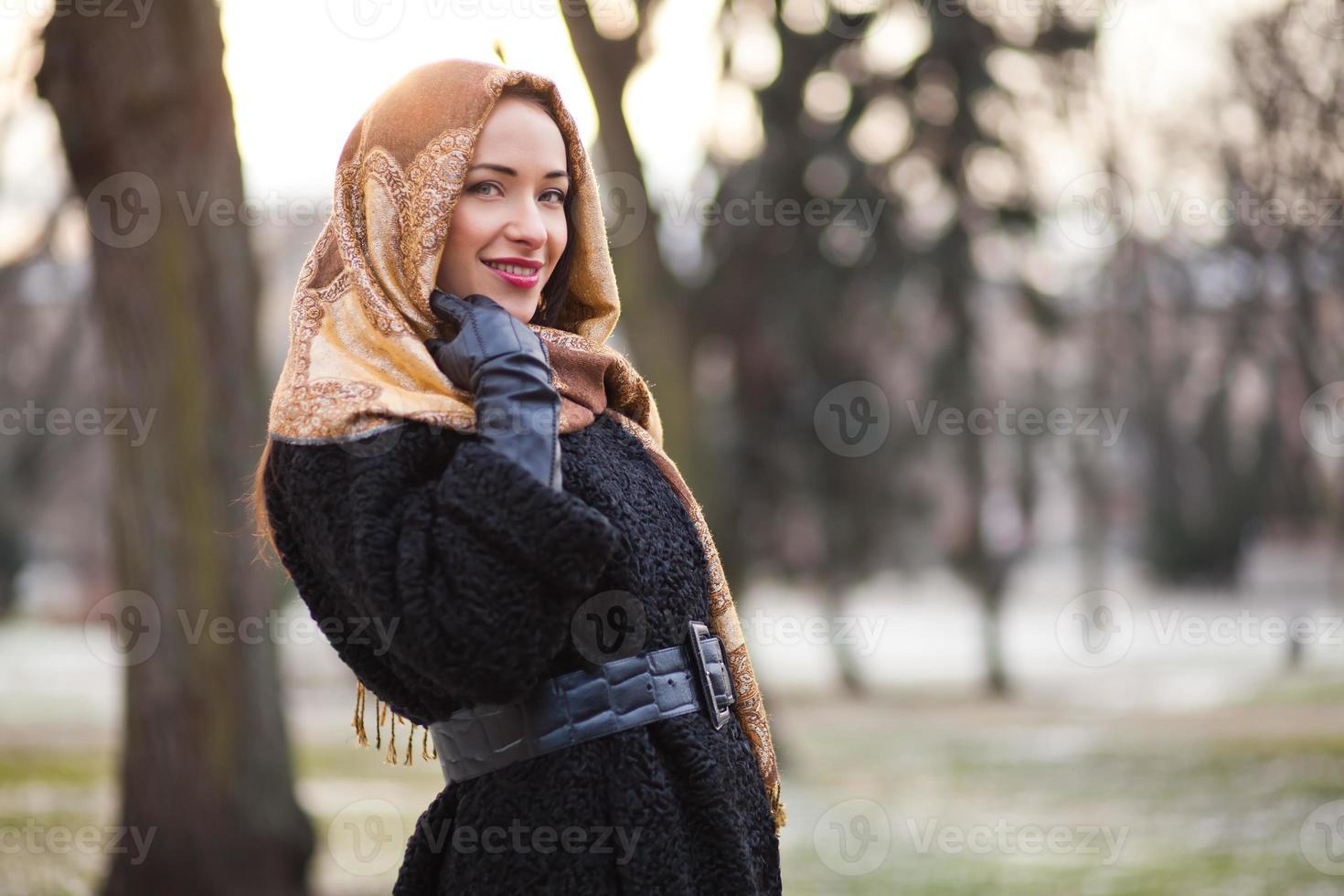affärskvinna som bär huvudduk foto