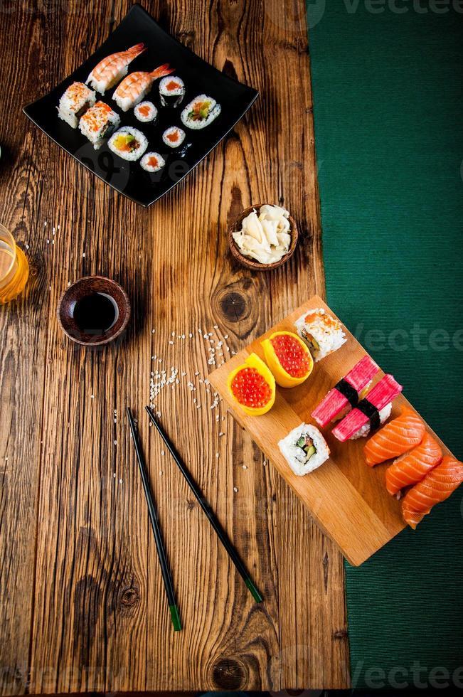 orientaliskt tema med sushi foto