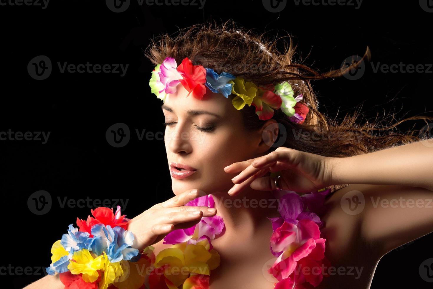 vacker luau party girl. hula dans foto