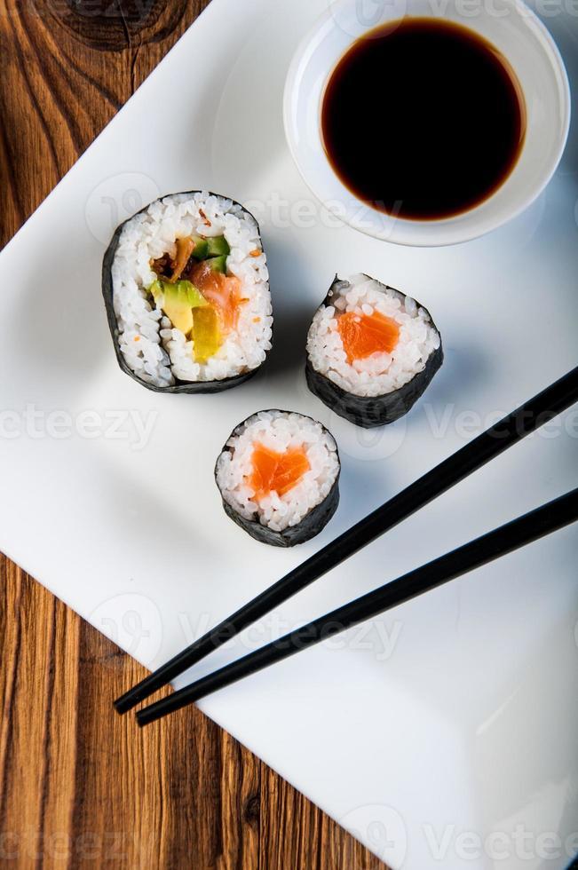 japansk sushiset foto