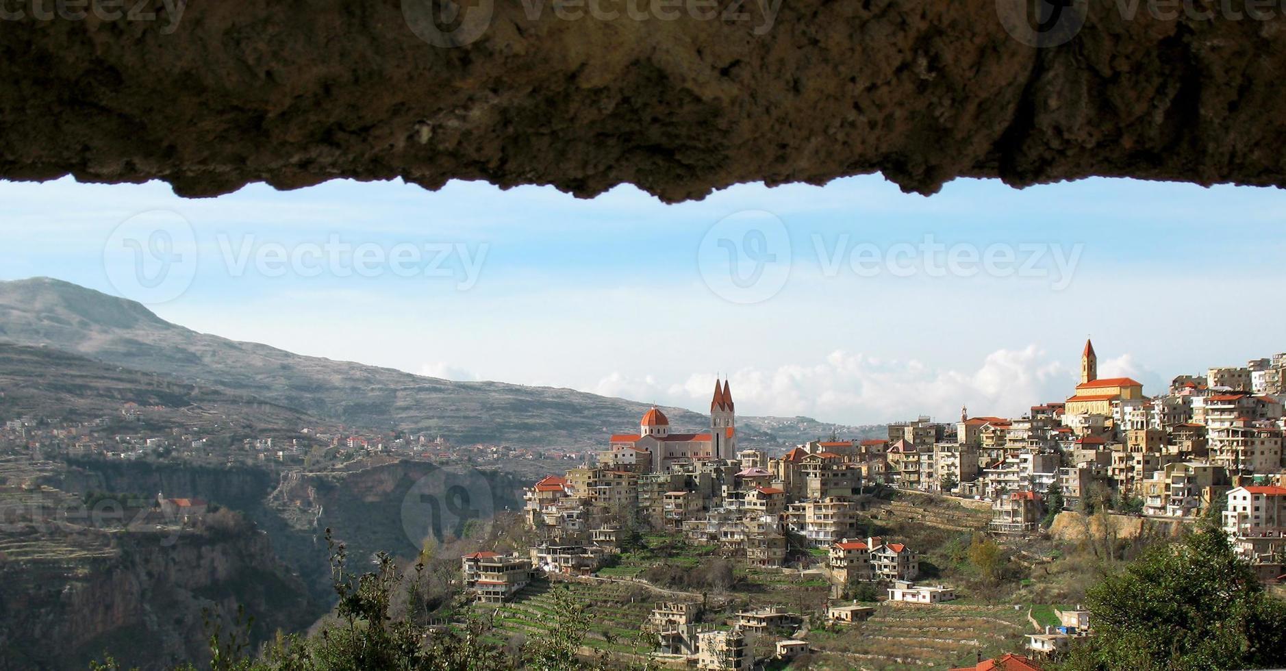 den libanesiska byn, bsharri foto