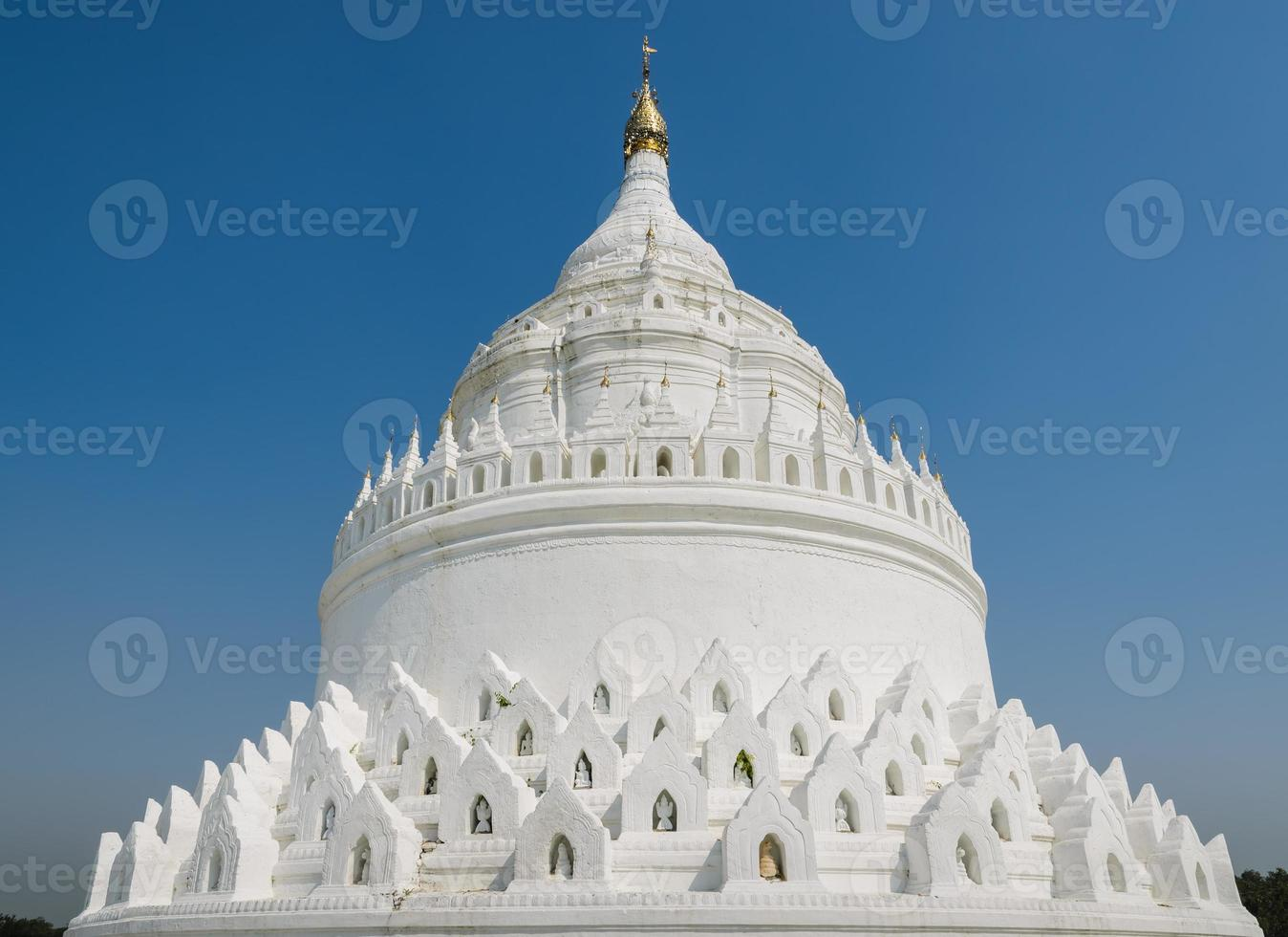 mingun vit pagod i myanmar foto