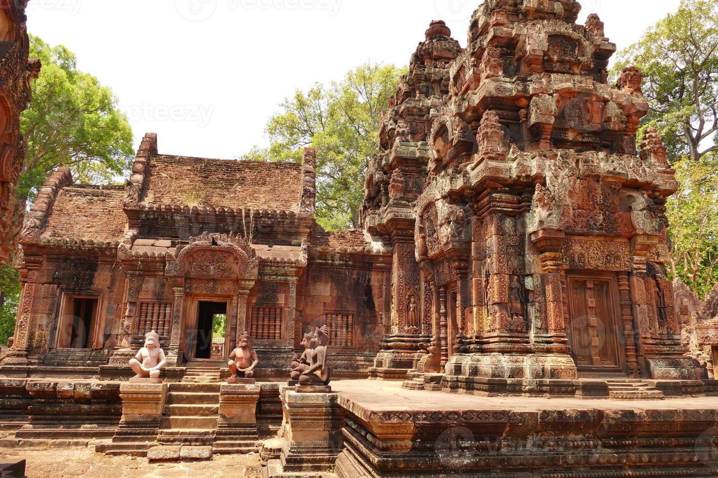 gammal ruin av banteay srei templet i Kambodja foto