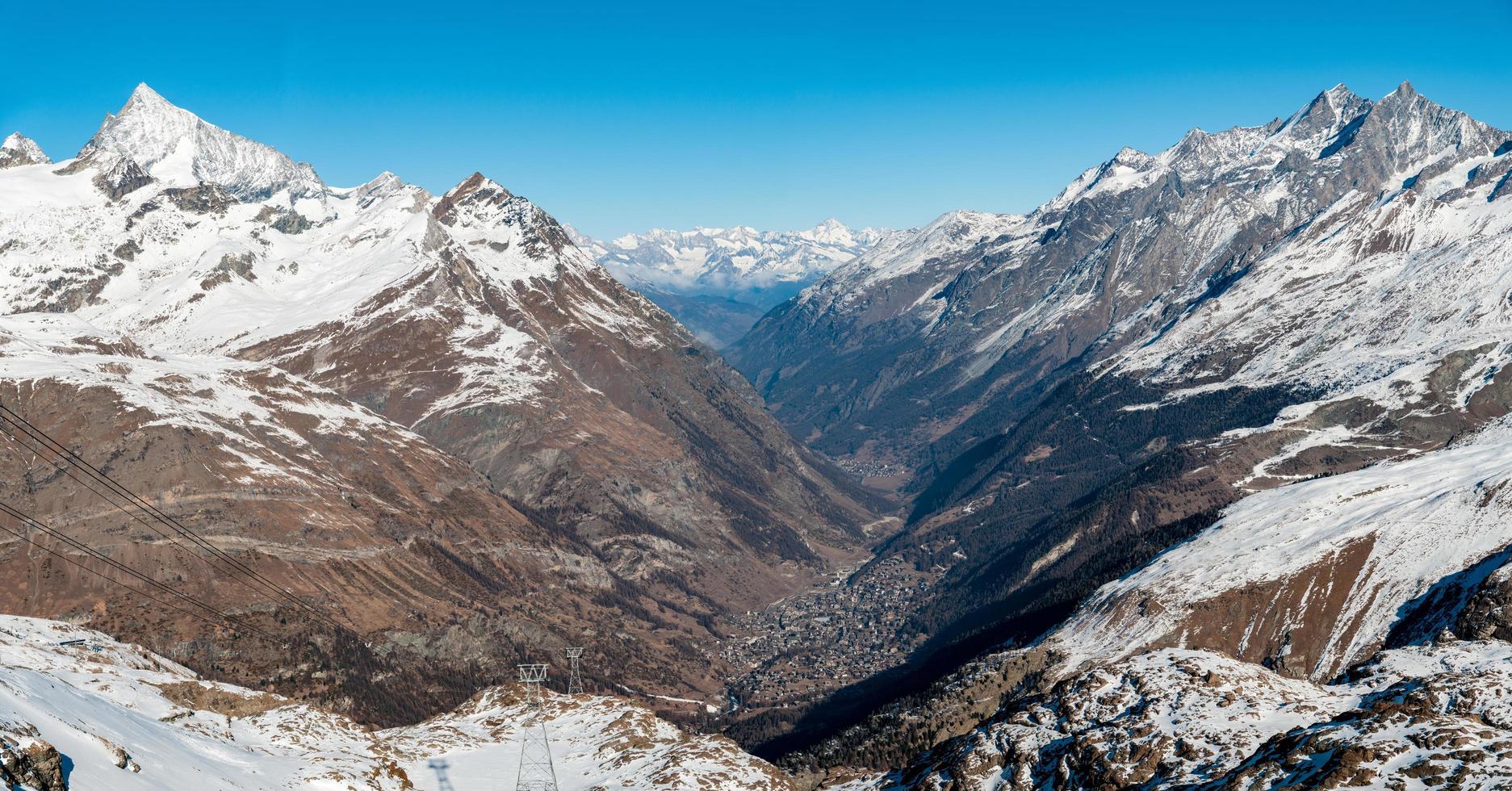 panorama över zermatt, schweiz foto