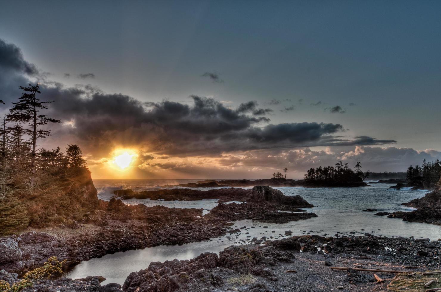 havsutsikt på gyllene timmen foto