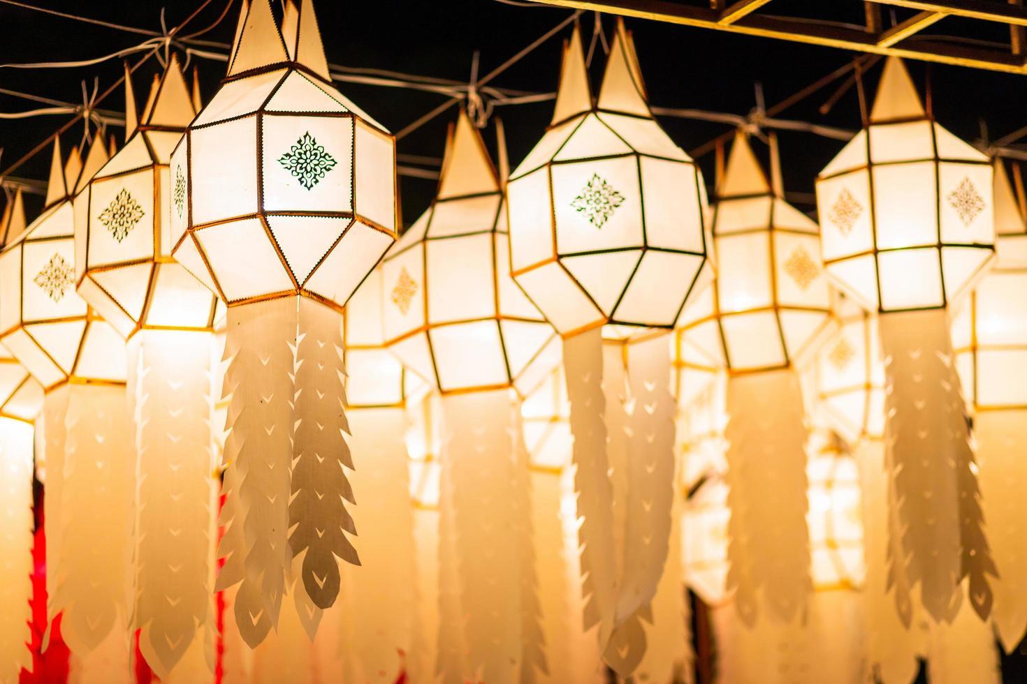 papper lanna lykta i Yi Peng festival, Chiang Mai, Thailand foto