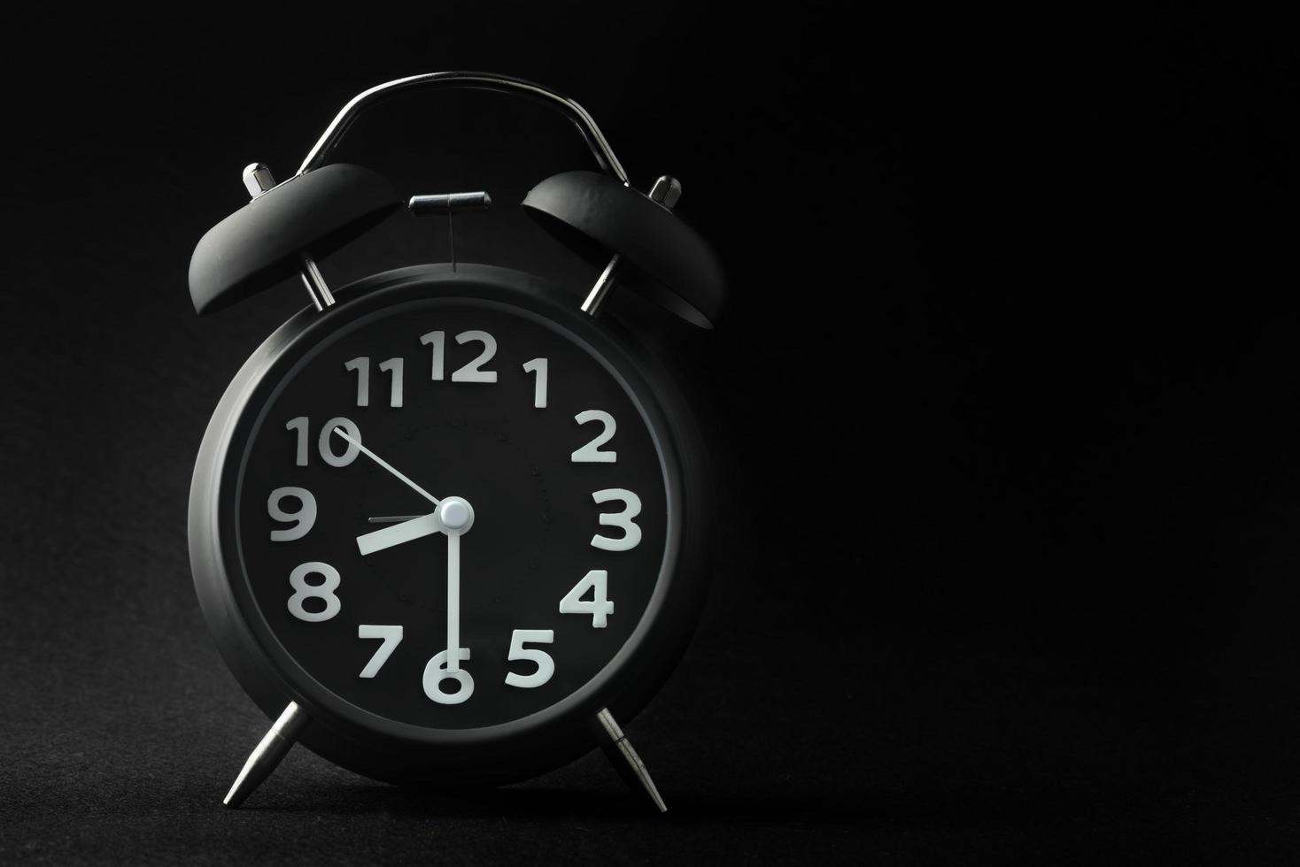 svart väckarklocka foto