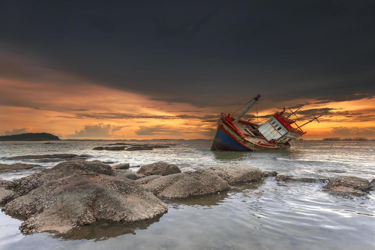 skeppsbrott i Chonburi, Thailand foto
