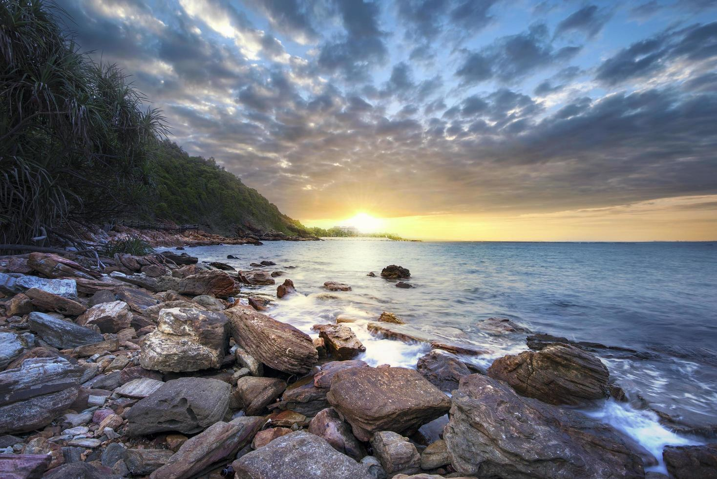 soluppgång över havet foto
