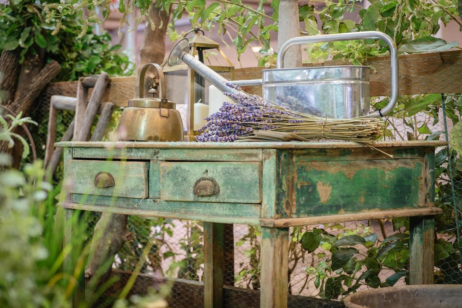 stuga utomhus trädgård rustik lantlig dekor foto