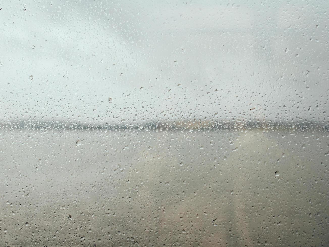 vattendroppar på glas foto