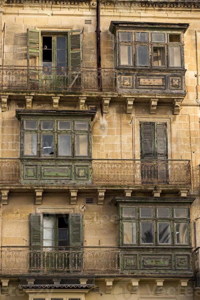 traditionella balkonger i Malta. foto