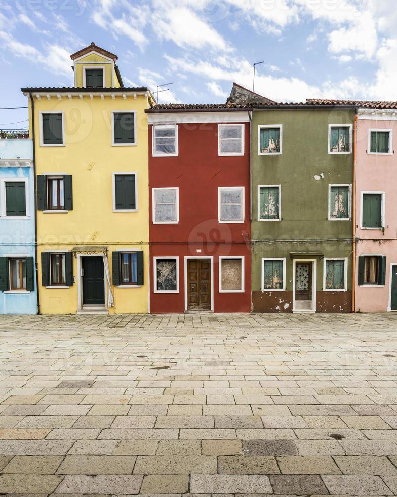 färgglada hem - Burano, Italien foto