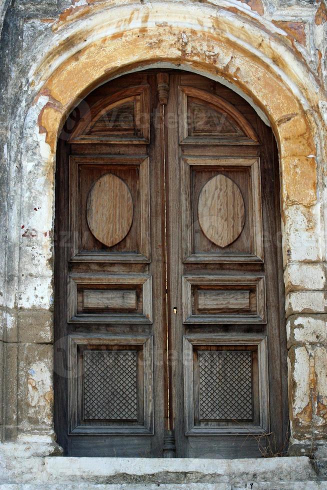 gammal dörr foto