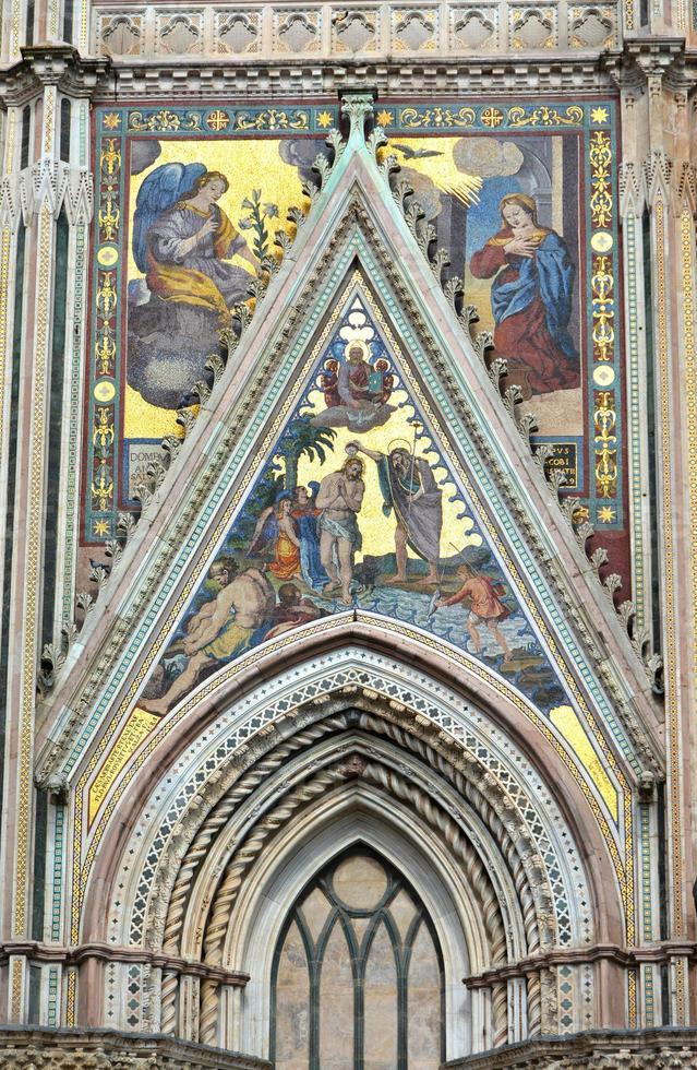 orvieto katedral detalj foto