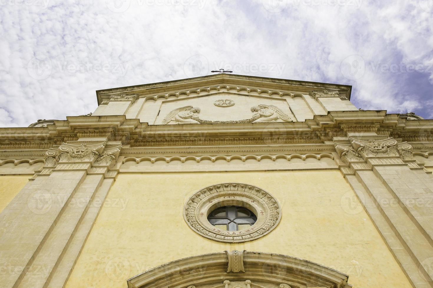 fasad på kyrkan i salve, salento, lecce. foto