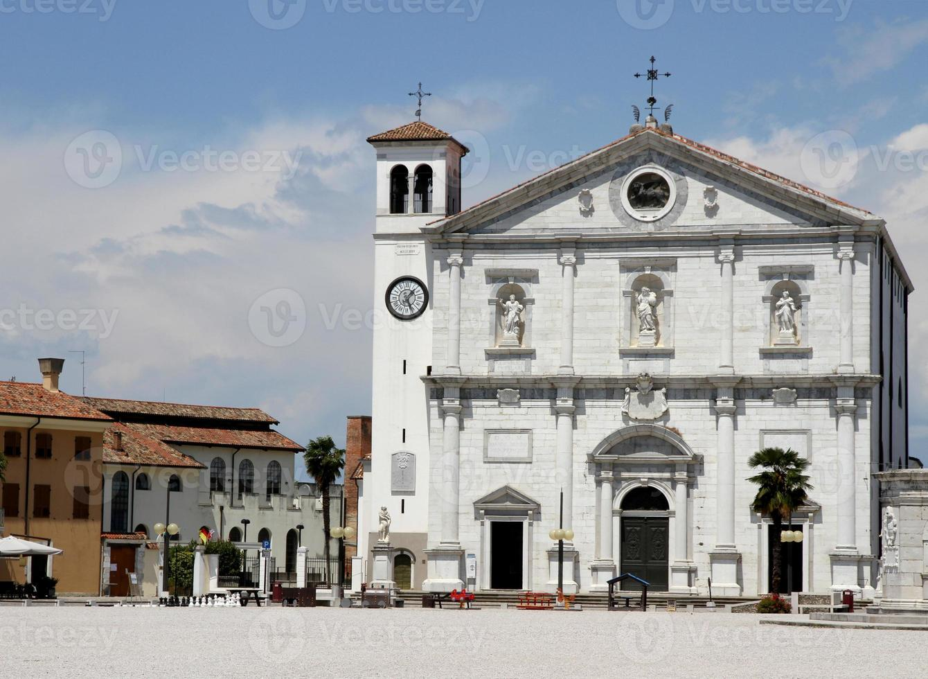 kyrka på stadstorget i Palmanova foto