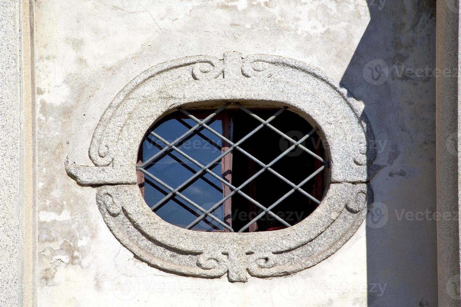 någraago kyrka varese italien t fönstret och mosaik foto