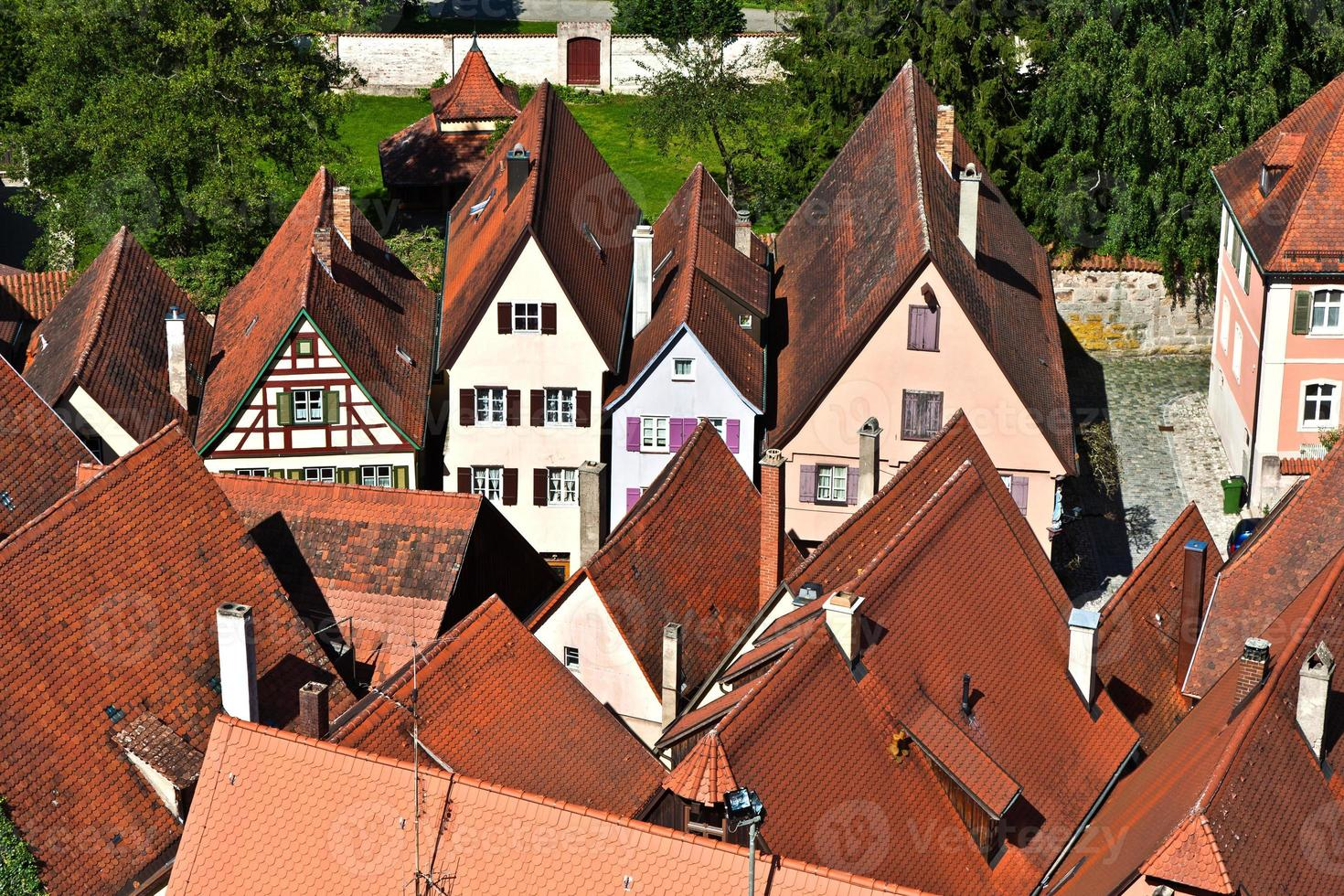 medeltida stad dinkelsbuehl i Tyskland foto