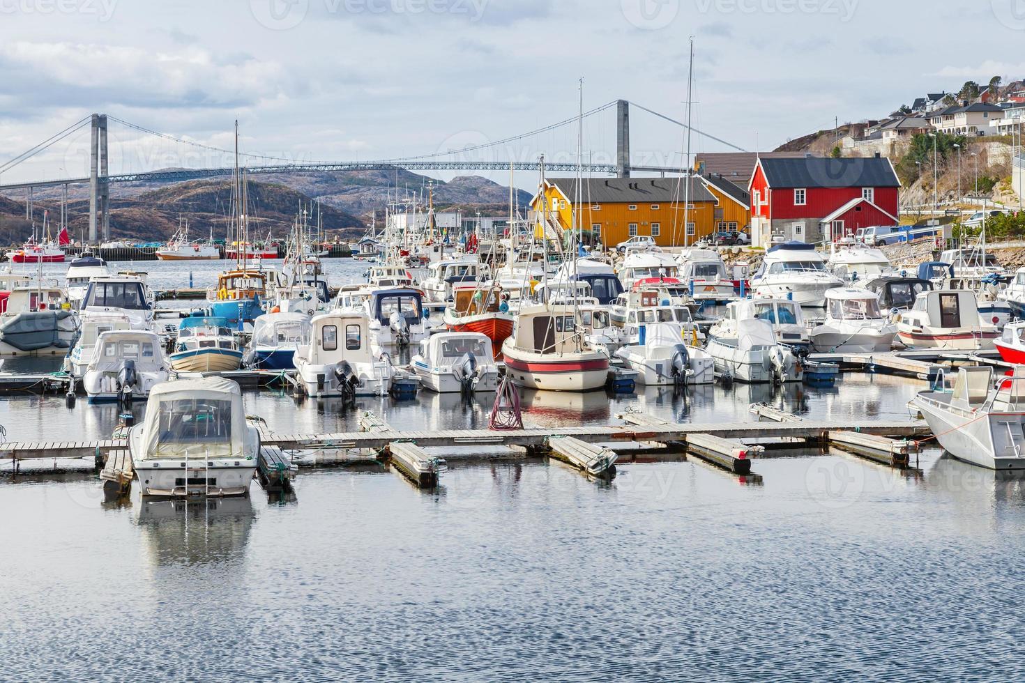 rorvik, liten norsk fiskeby foto