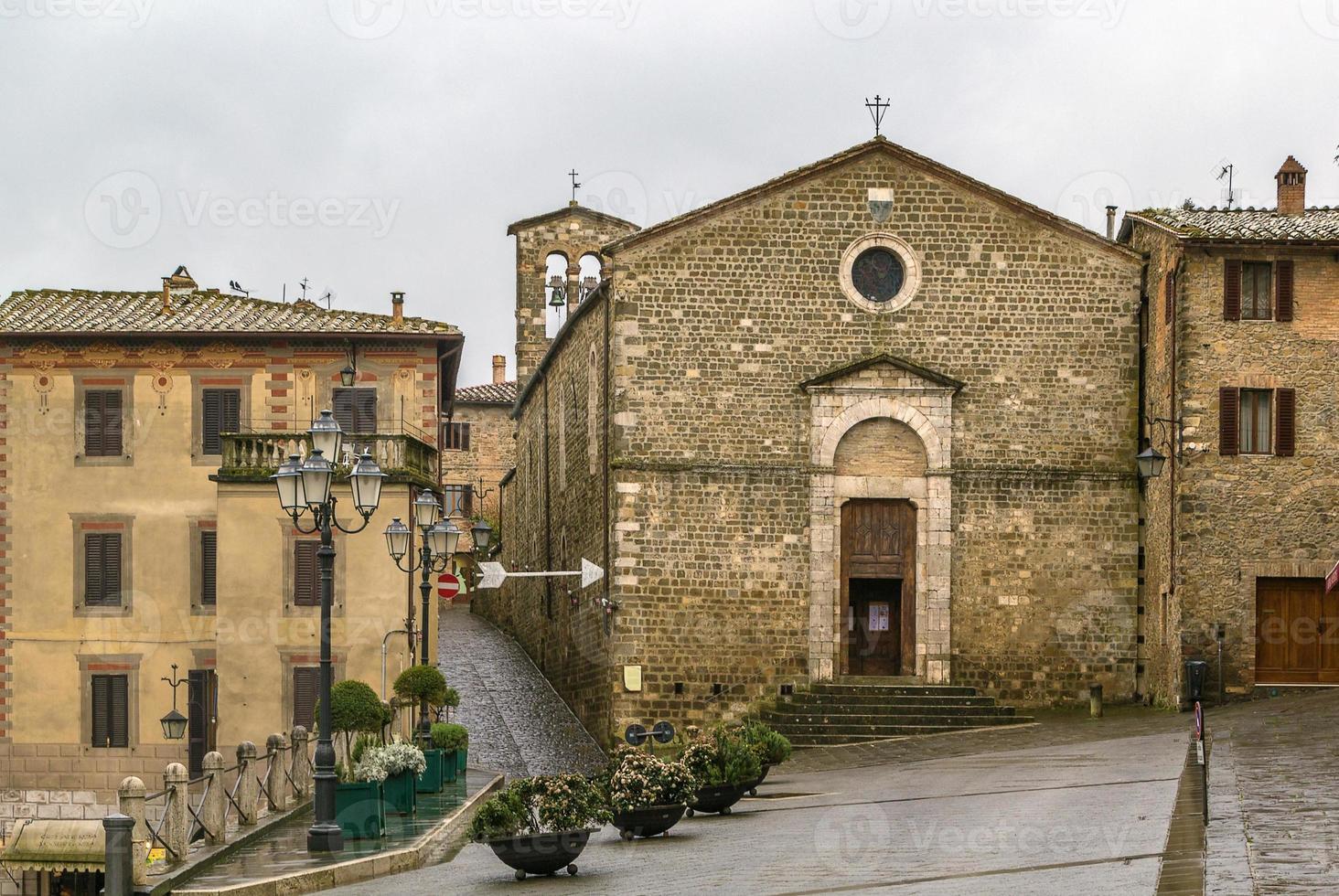kyrkan av sant egidio, montalcino, italien foto