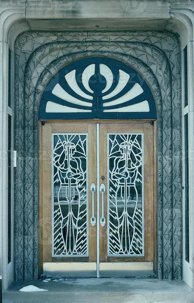 art deco-dörrar. foto