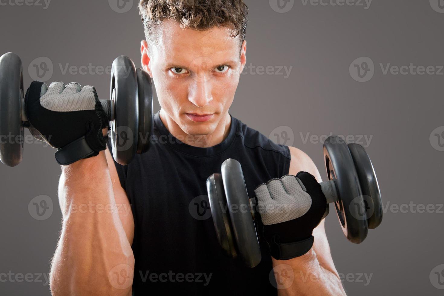 passar muskulös man foto