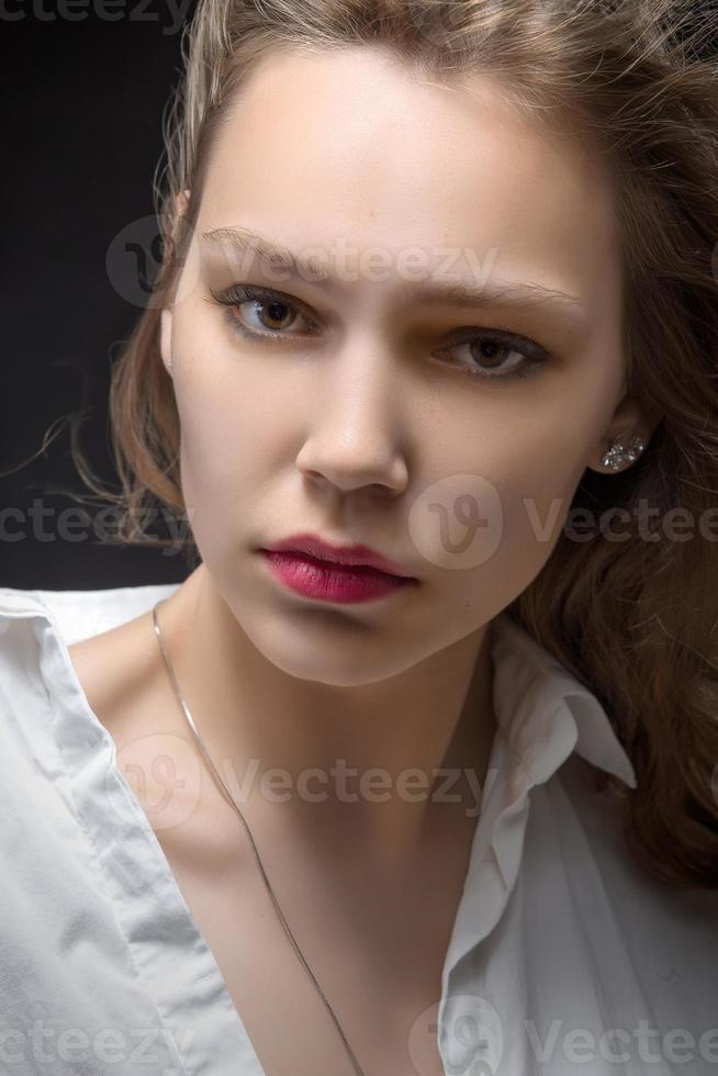 allvarlig kvinna foto