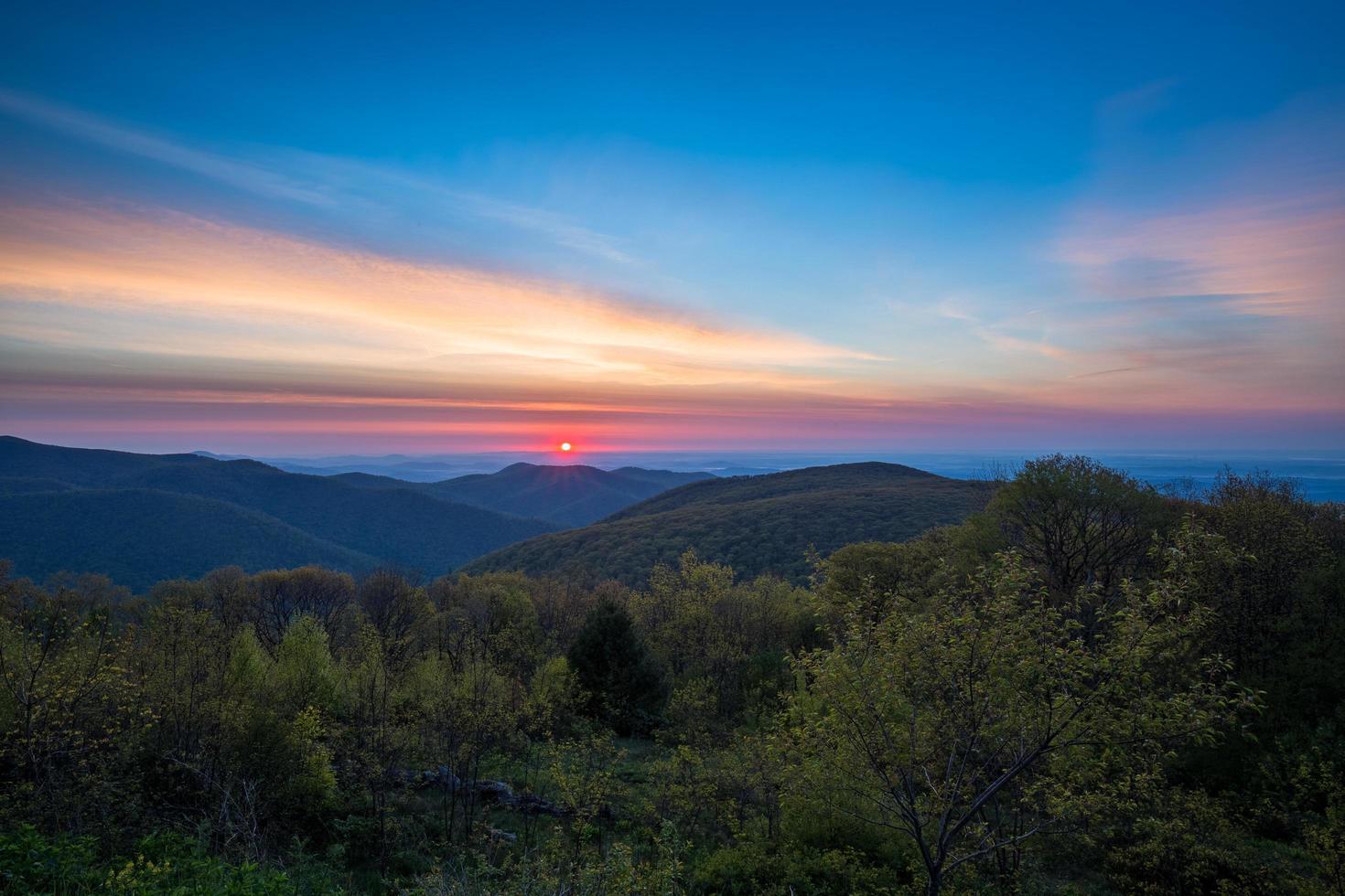 soluppgång på shenandoah nationalpark foto