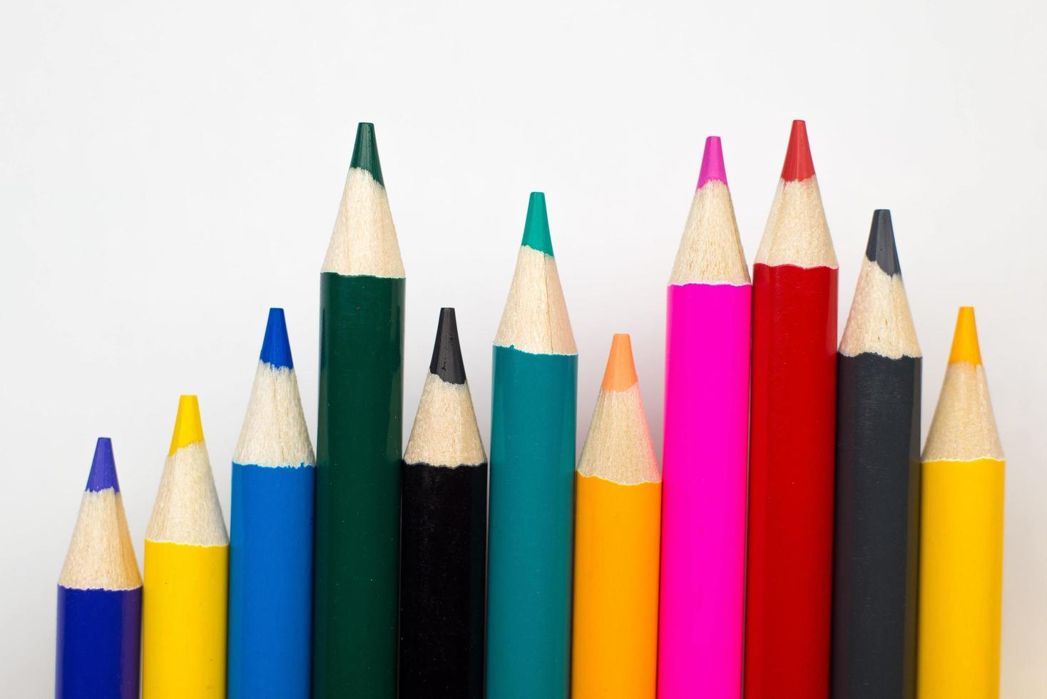 färgpennor med ordnade punkter foto