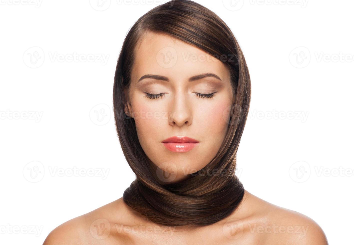 kvinna med friskt hår foto