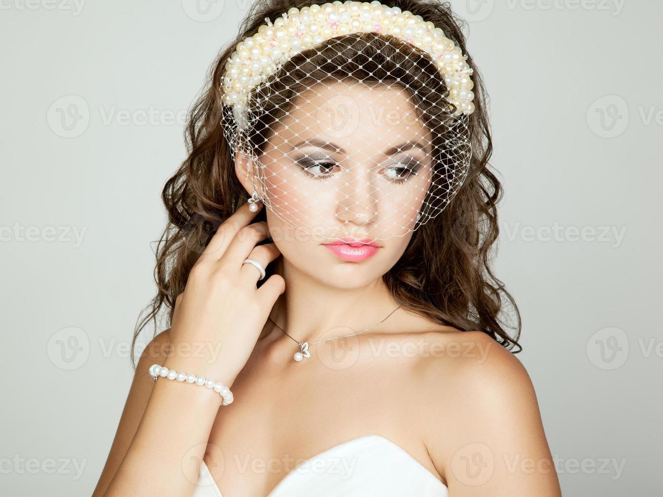 porträtt av vacker brud. Bröllopsfoto foto