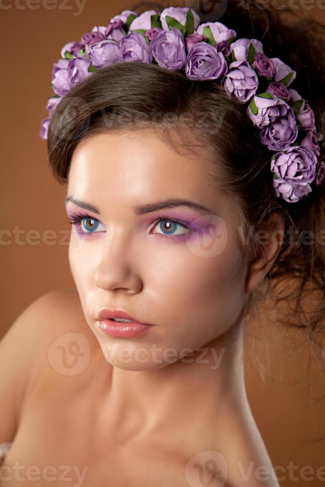 tjej med en kransstudio foto