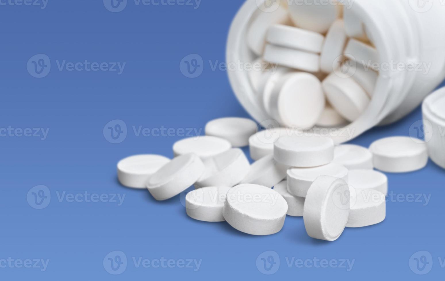 piller, flaska, vit foto