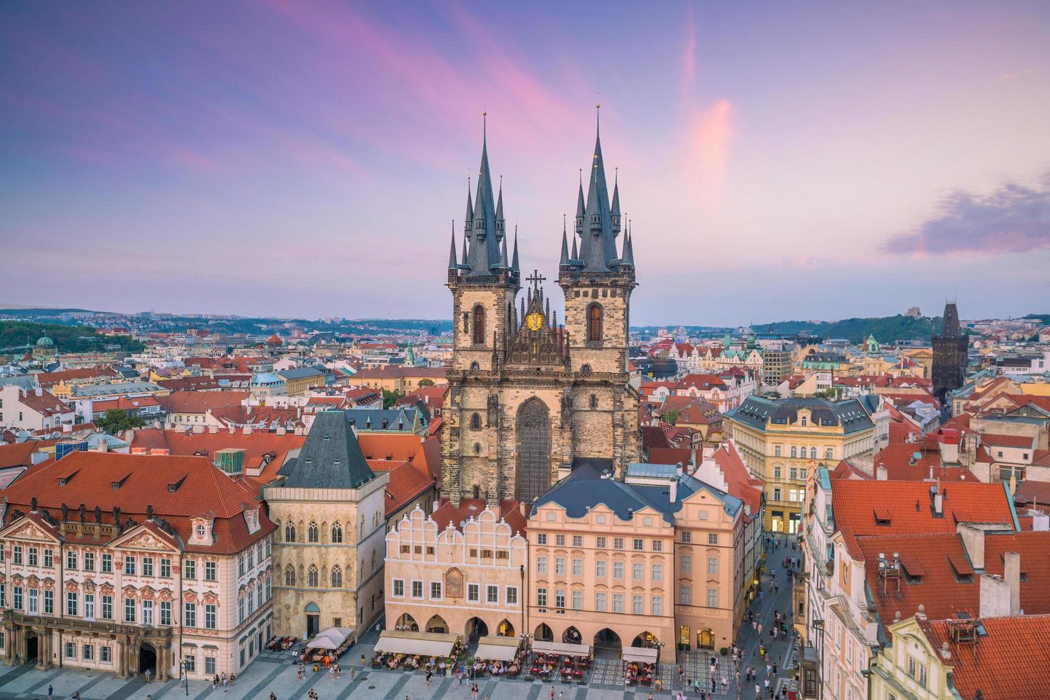 gamla torget i Prag, Tjeckien foto