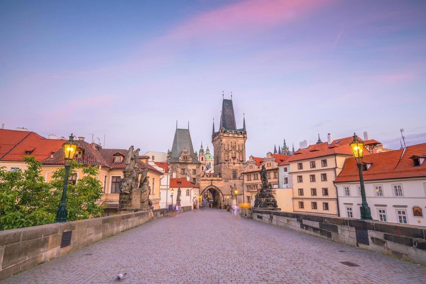 Prag stadssolnedgång foto