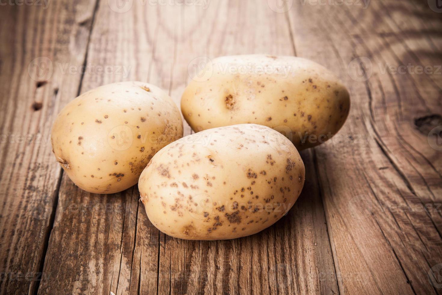 färsk potatis foto