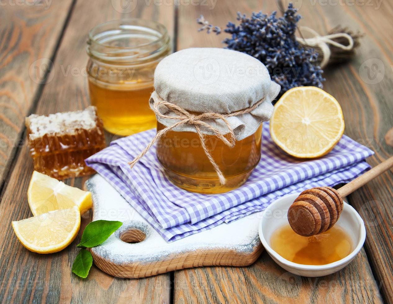 honung, lavendel och citron foto