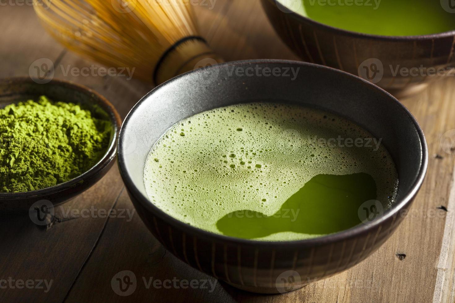 ekologiskt grönt matchat te foto
