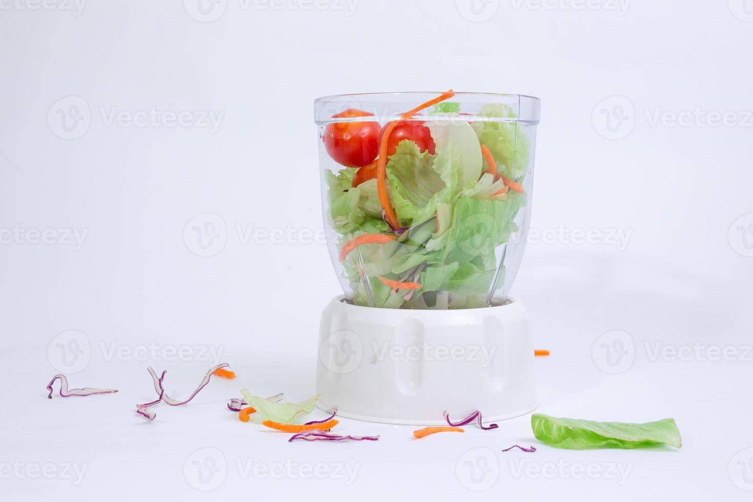 blandad sallad i snurrkopp foto
