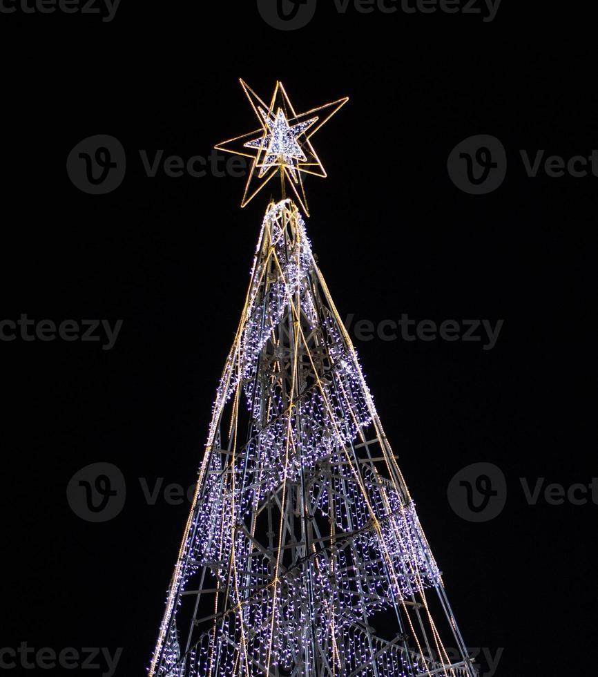 arbol de navidad con luces foto